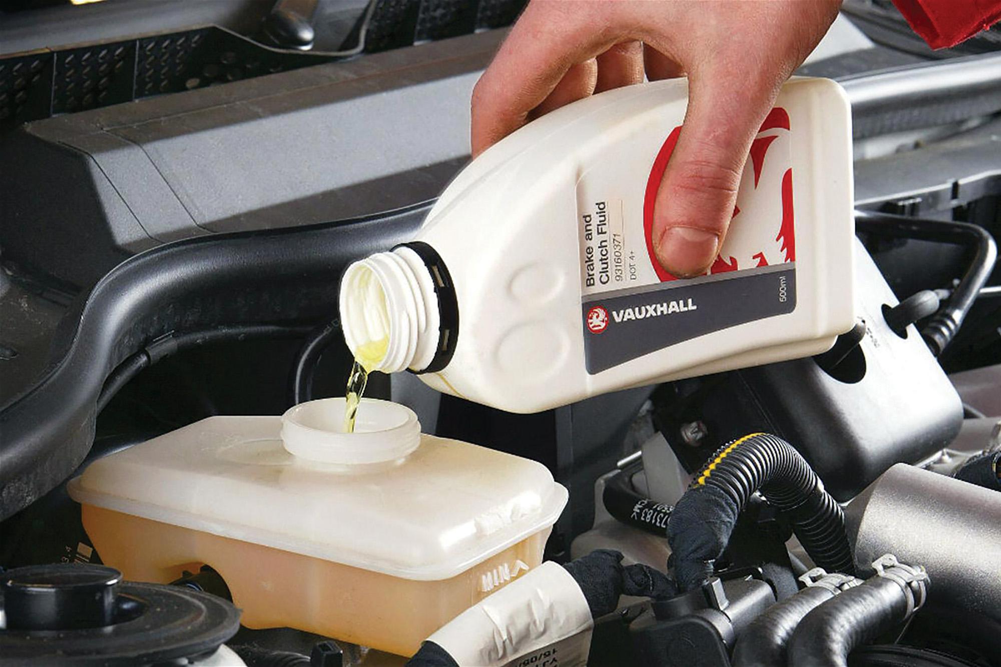 Тормозная жидкость и кузов авто