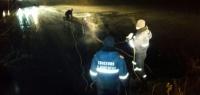 Жигули с мертвым мужчиной внутри достали из-под воды на Автозаводе